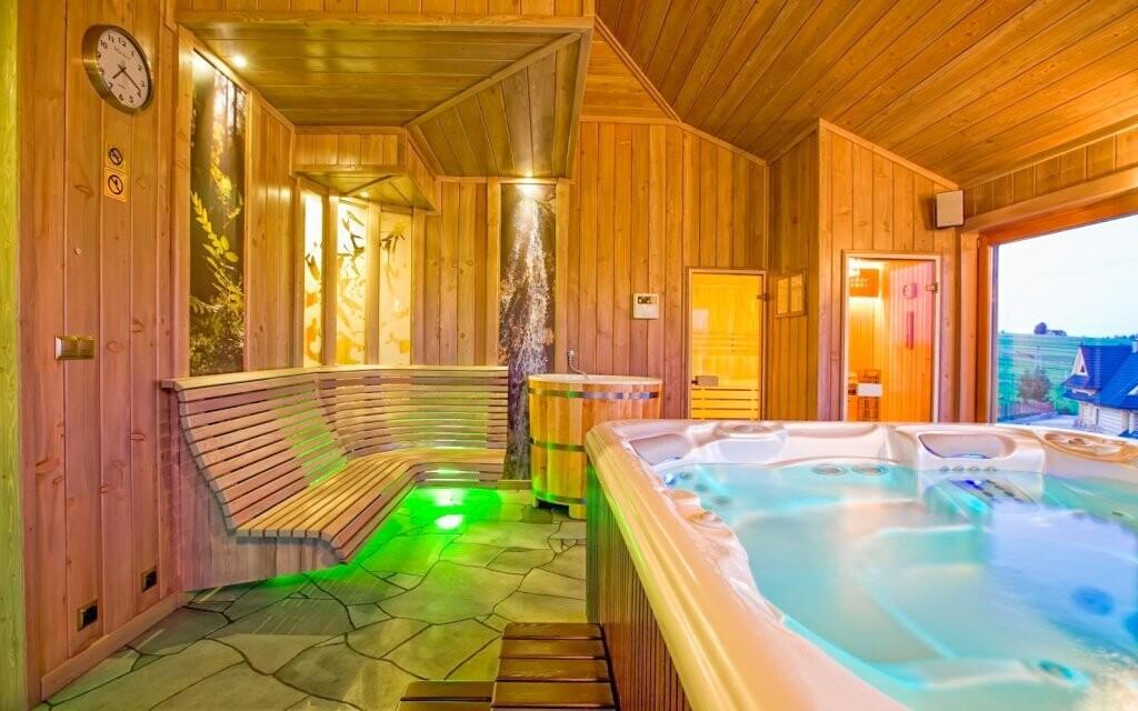 Wellness s vířivkou a saunami Redyk Ski&Relax ***