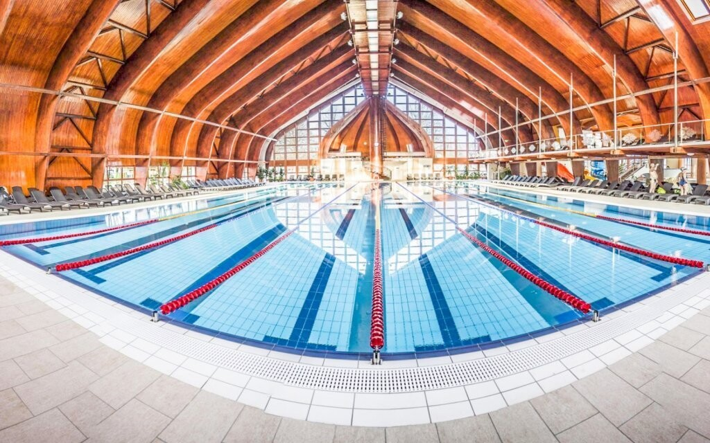 Bazén, termální lázně Zsóry, Mezőkövesd, Maďarsko
