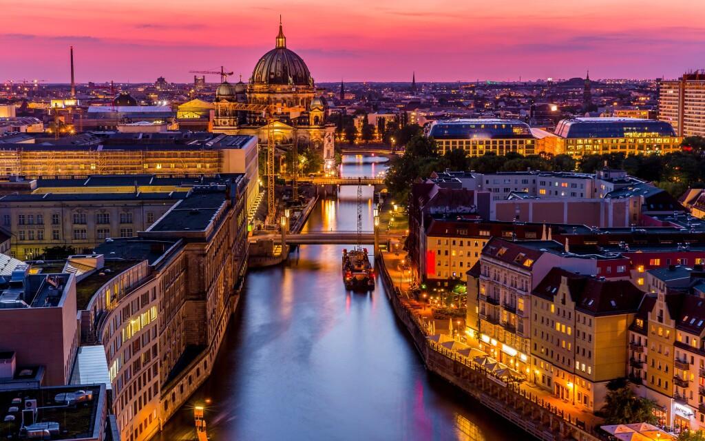 Berlín je krásne mesto plné úžasných pamiatok