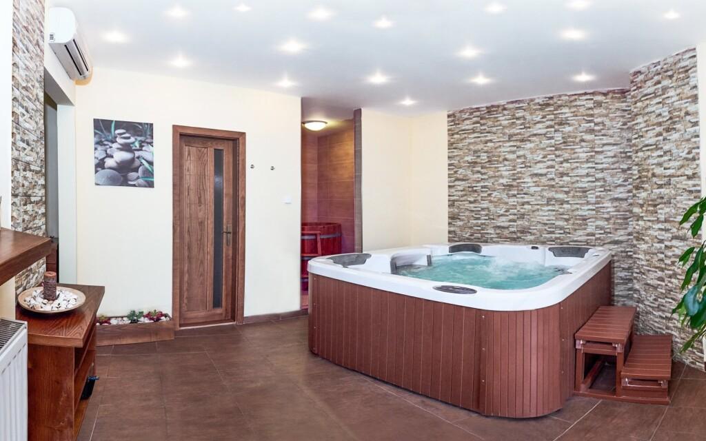 Wellness, vířivka, relax, Hotel Banderium