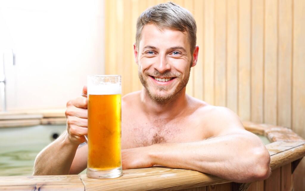Užijte si pivní koupel i půllitr piva