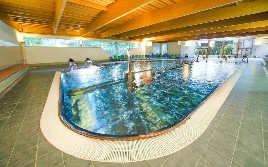 Oddychujte v bazéne, Hotel Hviezda, Dudince