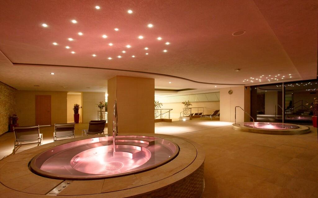 V hotelu je krásná relaxační zóna s vířivkou