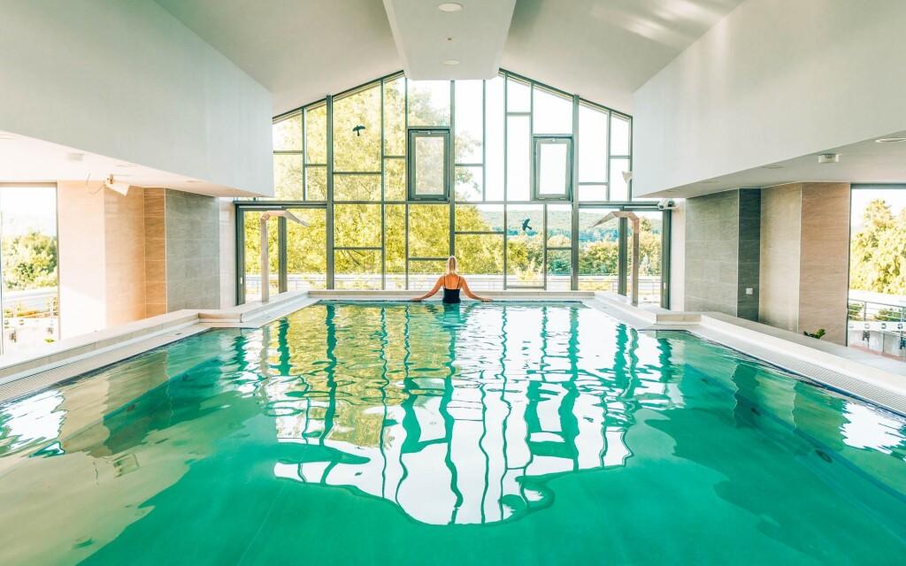 A szálloda wellnessében medencék és szaunák találhatók