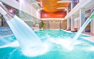 Lenošit můžete v tomto skvělém bazénu