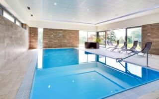 Ve wellness můžete kdykoliv do bazénu i vířivky