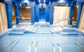 Wellness s vyhřívanými bazény v Hotelu Golden Ball Club ****