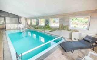 Fedett medence, Hotel Sonnhof Rauris *** Magas-Tauern