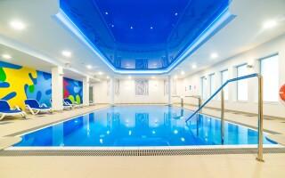 V rámci hotelového wellness je i zážitkový bazén