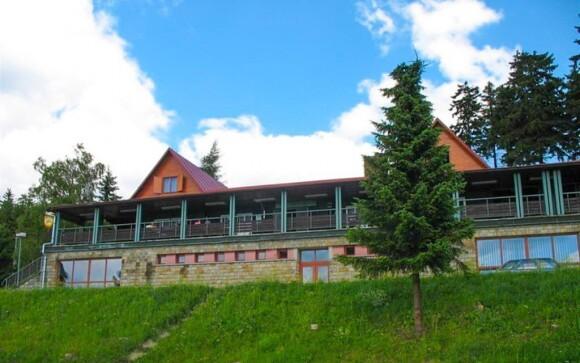 Vyrazte na dovolenou do Bílých Karpat a ubytujte se v horské chatě Arnika