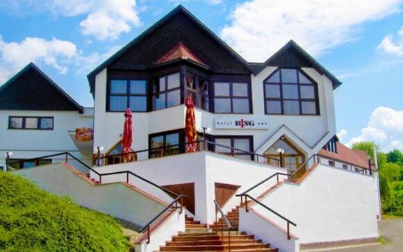 Hotel Ring*** leží nedaleko Mostu