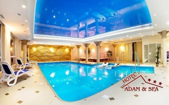 Zaplavte si v hotelovém bazéně