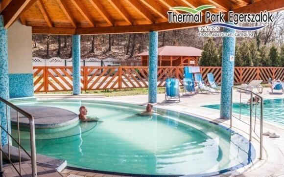 Užite si kúpanie v bazénoch s termálnou vodou priamo v hoteli