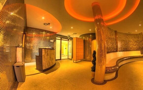 Za příplatek můžete v lázních relaxovat i v saunovém světě