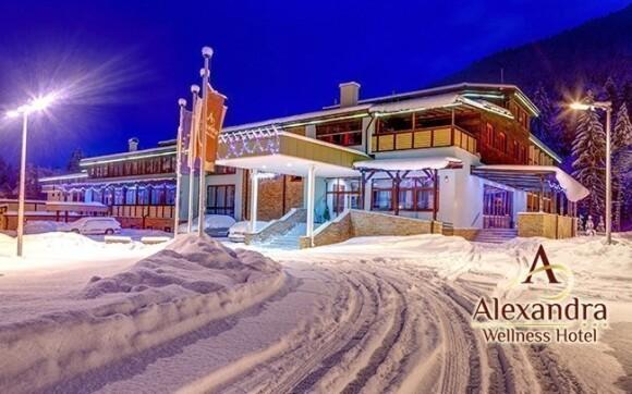 V zimě se hotel schová pod sněhovou přikrývku
