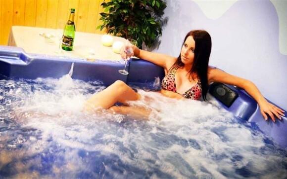 Užijte si parádní relax ve vířivce...