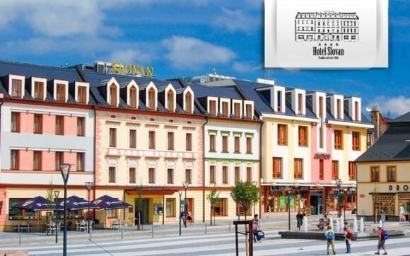 Hotel Slovan**** najdete přímo ve středu Jeseníku, kousek od lázní