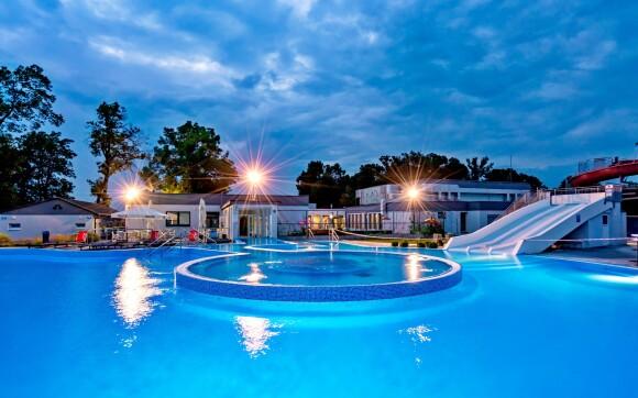 Venkovní bazén, Termály Malé Bielice, Slovensko