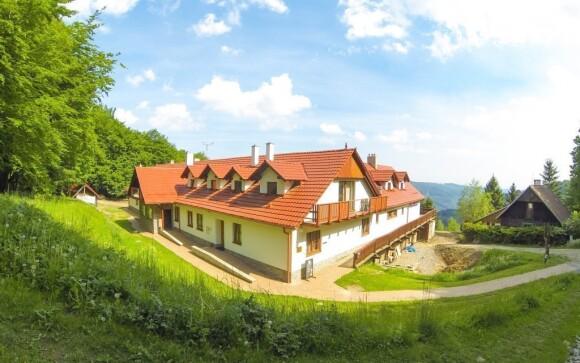 Chata Jana, obklopena nádhernou přírodou, je nově zrekonstruovaná
