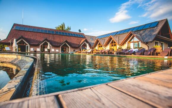 Pohádková dovolená na Oravě, bazén v Hotelu ORAVSKÝ HÁJ