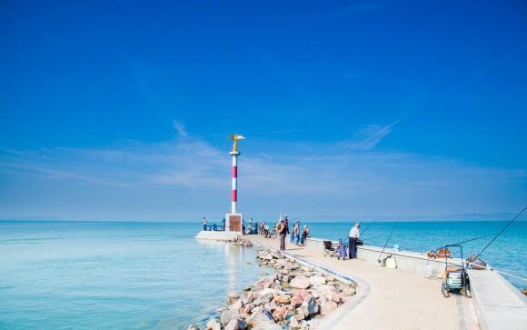 Vydajte sa k Balatonu a užite si prechádzku či rybárčenie