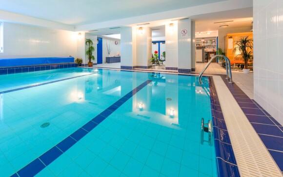 Súčasťou wellness je krytý bazén
