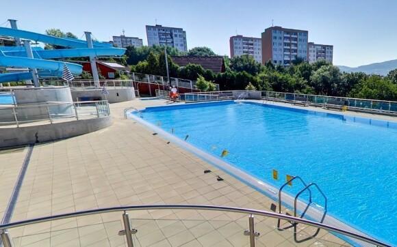 V horkých dnech se osvěžte na koupališti Panorama či Štěrkoviště