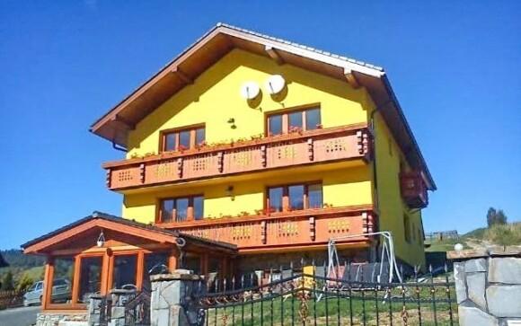 Hotel leží uprostred krásnej horskej prírody