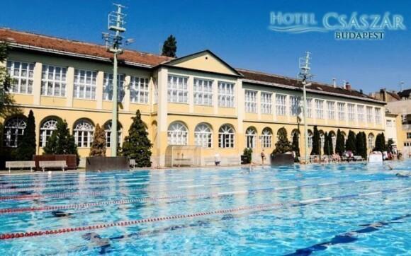 Užívejte si neomezeně bázénů sport centra u hotelu Császár ***