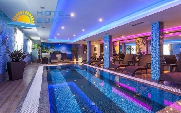 Vnútorný bazén je skvelým mestom pre vás oddych