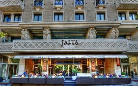 Ubytujte se v nádherném Jalta Boutique Hotelu *****