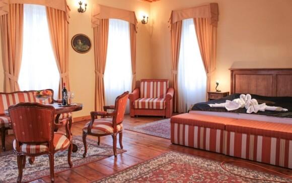 Součástí pokojů je i dobový nábytek