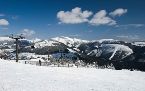 Užite si parádne lyžovanie v Krkonošiach