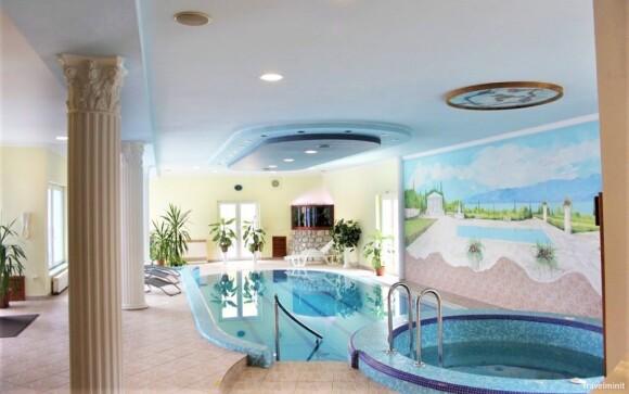 Těšte se na bazén i vířivku