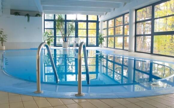 V Interhotelu America si užijete vnitřní bazén
