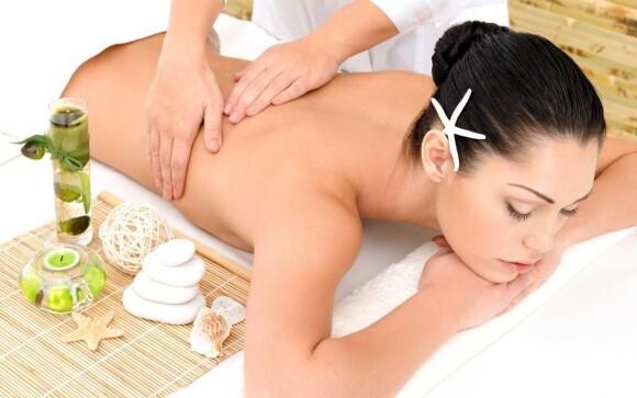 Hotel nabízí celou řadu masáží, jednu máte dokonce v ceně