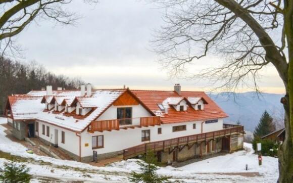 Horaská Chata Jana Bílé Karpaty pro dva na 3 dny v romantických apartmánech s polopenzí a vlastním krbem