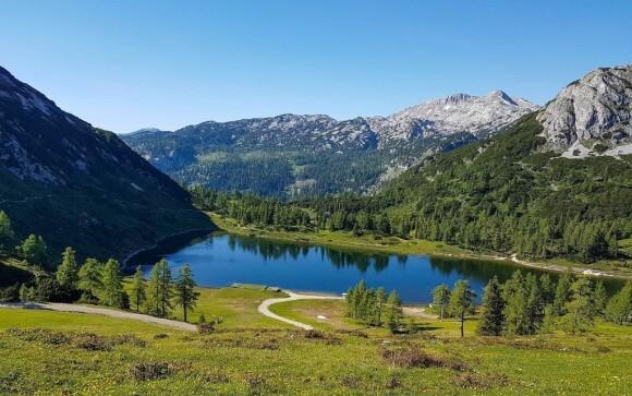 Alpská krajina jako z pohlednice