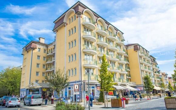 Hotel Palace**** leží v oblíbeném lázeňském městě Hevíz