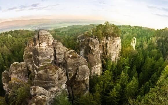 Vydejte se k Prachovským skalám