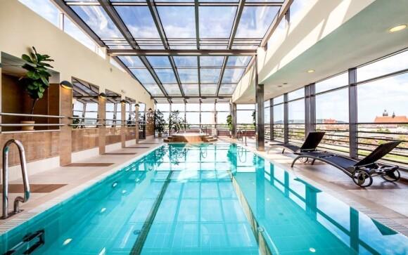 Ve wellness s bazénem si skvěle odpočinete