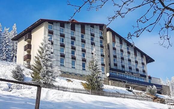 Užite si ubytovanie v hoteli Zadov ***