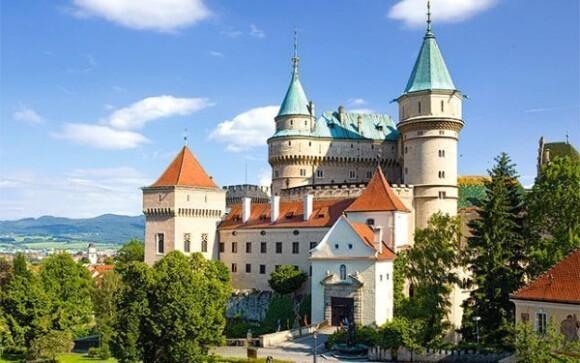 Vydajte sa do kúpeľného mesta Bojnice a obdivujte jeho krásy