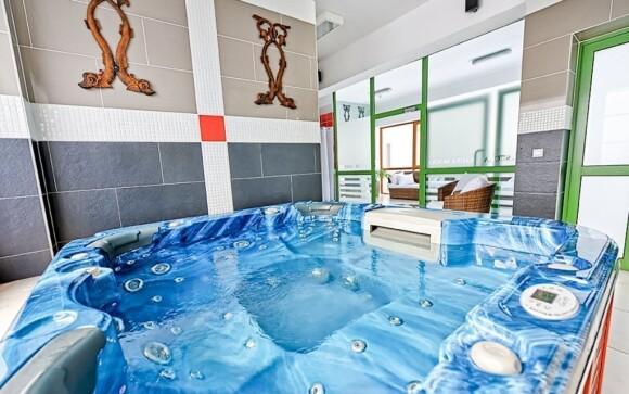 Relaxovať môžete napríklad v hotelovej vírivke
