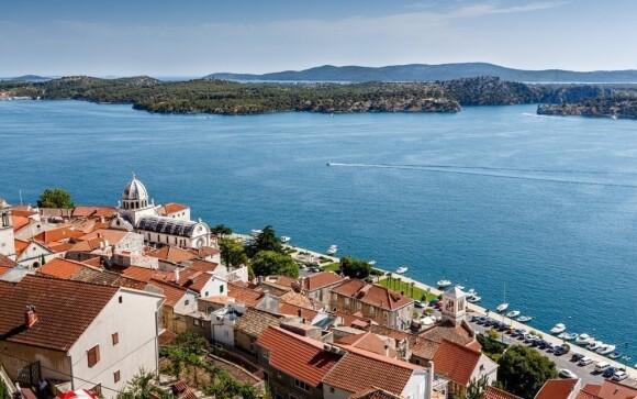 Kouzelné  městečko Šibenik je od vás pouhých 12 km
