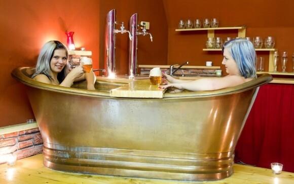 Vyzkoušejte relaxaci v pivní lázni