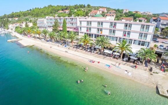 Hotel Posejdon *** stojí na pláži ve městě Vela Luka