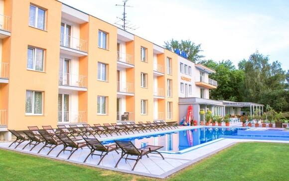 V Hotelu Korekt *** si užijete venkovní bazén