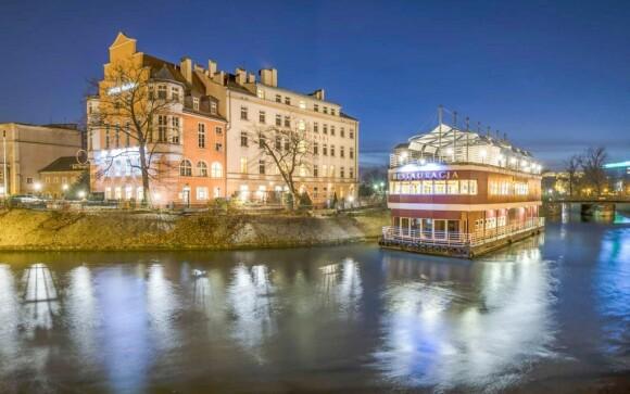 Hotel Tumski *** sa nachádza na ostrove na rieke Odre