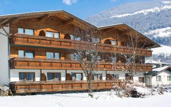 Hotel Zillertal leží v Zillertalském údolí v Tyrolsku